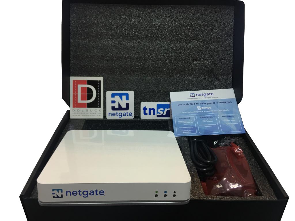 Fotografía por delante del dispositivo de seguridad Netgate GS-3100 pfSense.