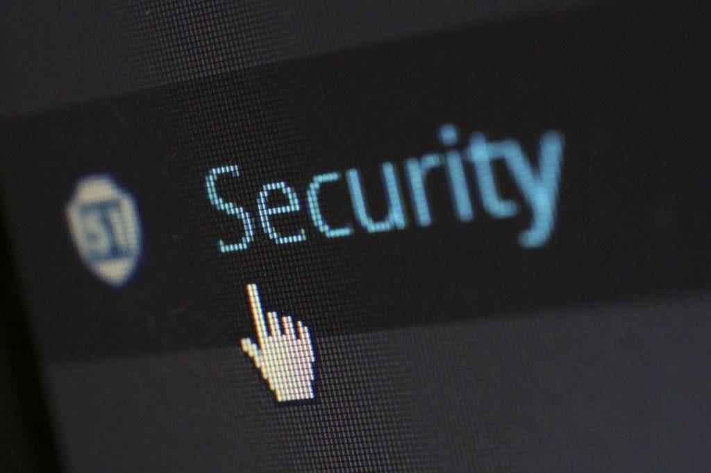 Los ataques cibernéticos son más sofisticados en infraestructuras críticas, como pueden ser los ayuntamientos o los centros sanitarios.